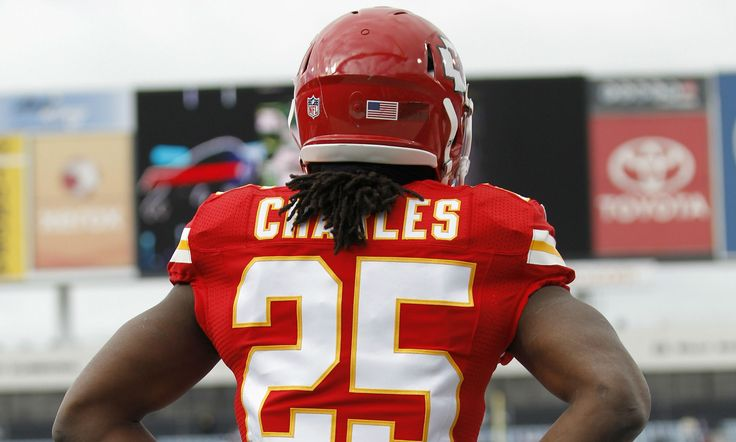NFL Injuries Abound: Charles, Davis May Have High Ankle Sprains, Cards Fear For Palmer's Shoulder - http://www.tsmplug.com/nfl/nfl-injuries-abound-charles-davis-may-high-ankle-sprains-cards-fear-palmers-shoulder/