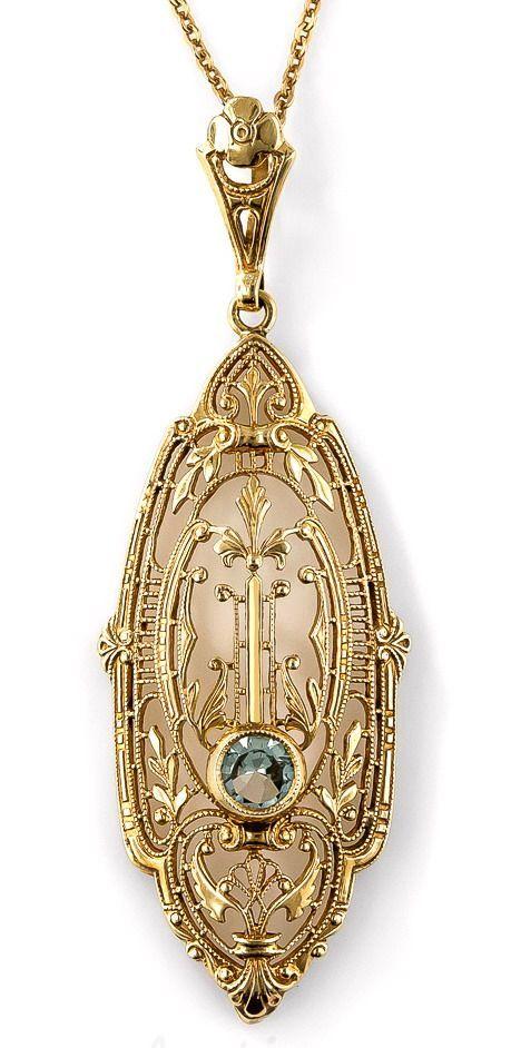 Art Deco Aquamarine Pendant Necklace. Blue aquamarine. circa 1930s.