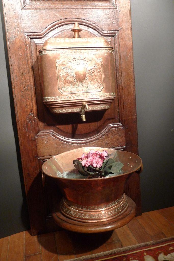 Fontaine Cuivre Rouge XVIIIe