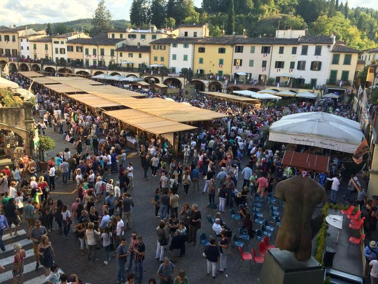 Expo del Chianti Classico  The end of summer marks the beginning of the grape harvest. Countless festivals dedicated to wine are held in the most beautiful Tuscan hamlets. Here are some of the best wine festivals in Tuscany scheduled for September 2016