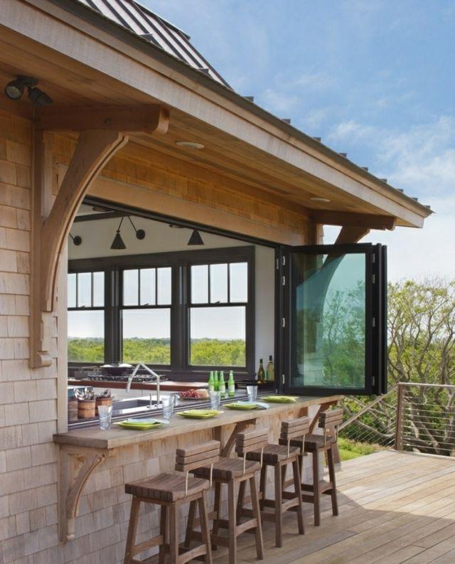 Cuisine d'intérieur astucieusement transformée en cuisine ouverte d'été !