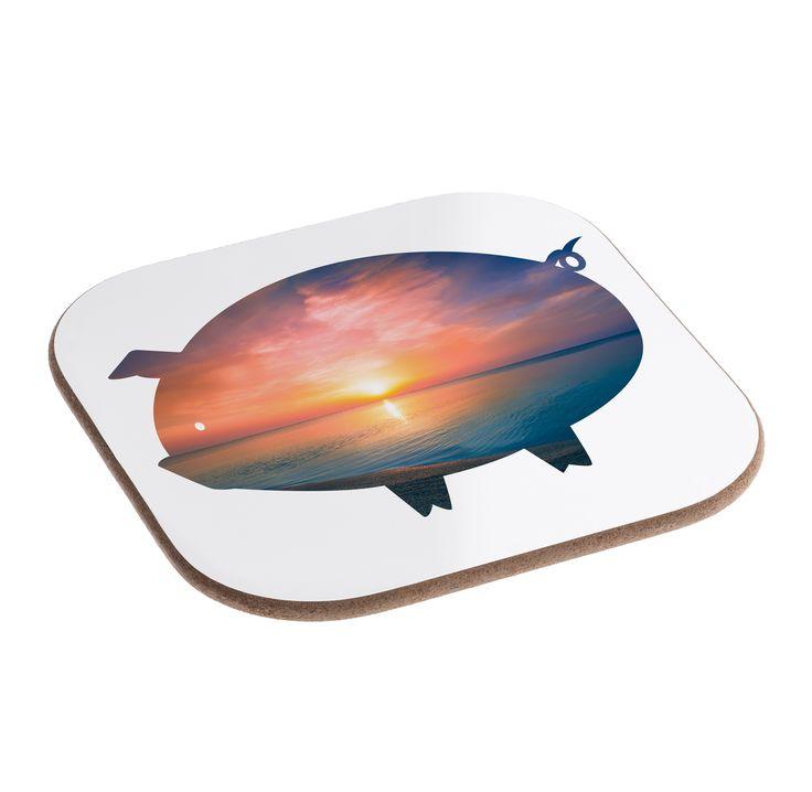 Quadratische Untersetzer Schwein aus Hartfaser  natur - Das Original von Mr. & Mrs. Panda.  Dieser wunderschönen Untersetzer von Mr. & Mrs. Panda wird in unserer Manufaktur liebevoll bedruckt und verpackt. Er bestitz eine Größe von 100x100 mm und glänzt sehr hochwertig. Hier wird ein Untersetzer verkauft, sie können die Untersetzer natürlich auch im Set kaufen.    Über unser Motiv Schwein  Das Schwein gilt als Glücksbringer und wird gerne verschenkt, wenn jemand auf schnelles Glück…