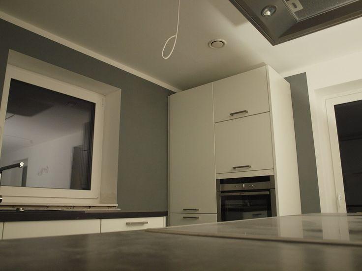 wie streiche ich mein wohnzimmer wand streichen farbe. Black Bedroom Furniture Sets. Home Design Ideas