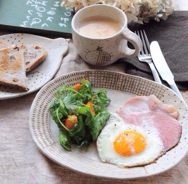 ハム、卵、サラダ