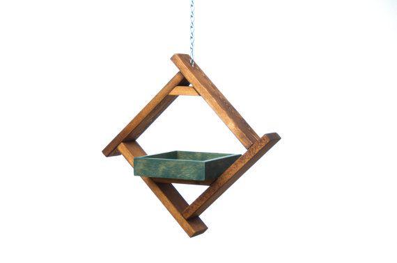 Elegant and modern tray style bird feeder