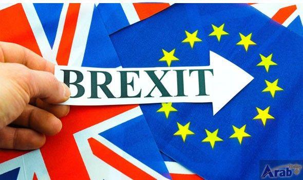 EU citizens leaving UK pushes down net migration after Brexit vote