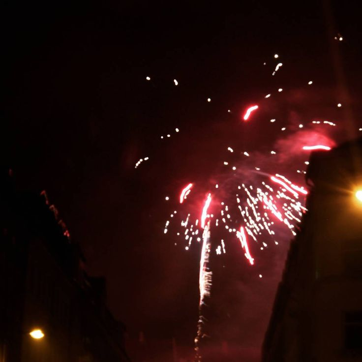 """""""#silvester #happynewyear2016 #newyear2016 #hello2016 #happy #besterabend #feiern #2016 #leipzig #plagwitz #saxony #lastnight"""""""