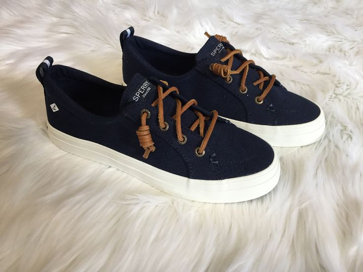 Sperry - Crest Vibe Sneaker in Navy
