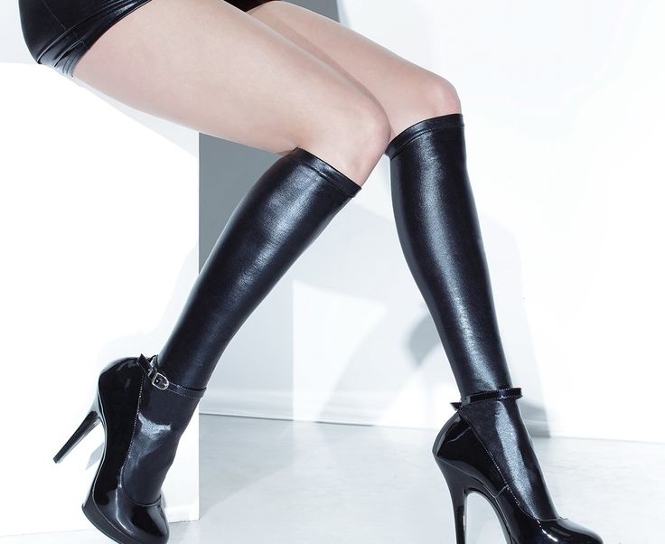 WETLOOK KNEE HIGH STOCKINGS (these go over my knees, though)