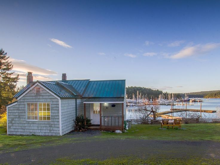 VRBO.com #574563 - Waterfront Cottage Near Town - (Best Place Cottage)