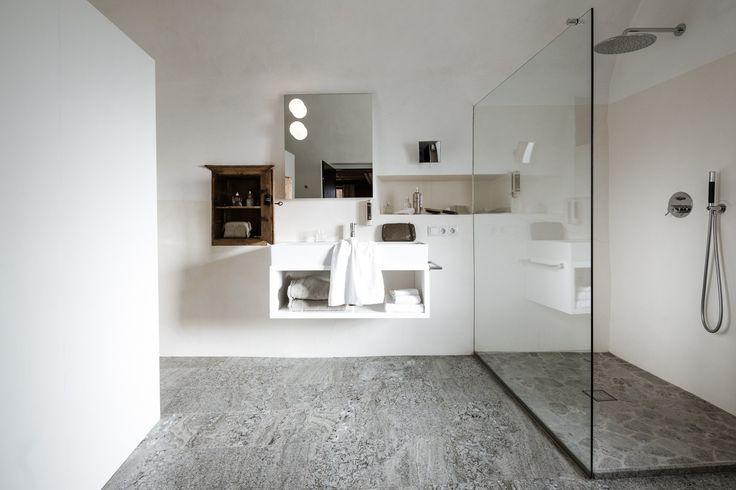 Badezimmer im Romantik Hotel Weisses Kreuz im Vinschgau