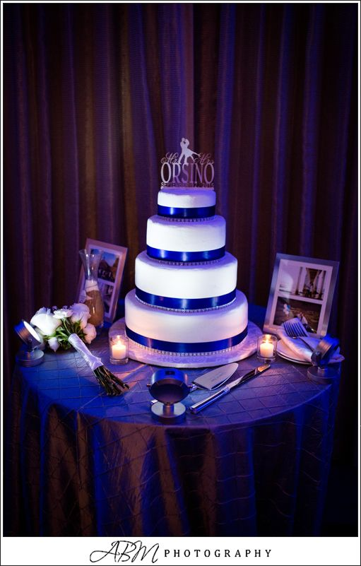 wedding cake table with lights 12 best cake table spot light images on cake 26202