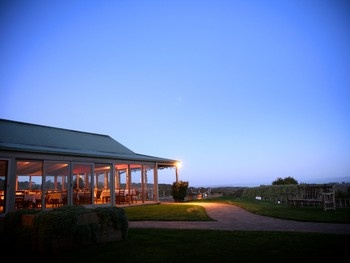 http://img.dimmi.com.au/restaurant/1026-red-hill-south-maxs-at-red-hill-estate-9_lrg.jpg