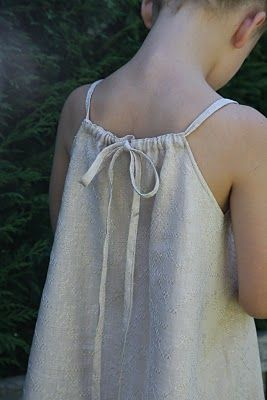 I would love to create this tie for a pillow case dress instead of the tie on the shoulders.