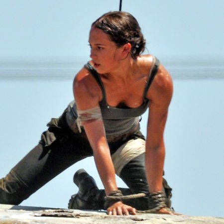 """First On-Set Images of Alicia Vikander in """"Tomb Raider"""" http://ift.tt/2kkgiCM #timBeta"""