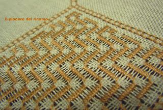 The Pleasure of embroidery: July 2012