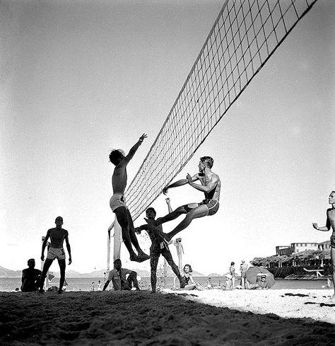 Vôlei de praia no Rio Jean Manzon, circa 1940