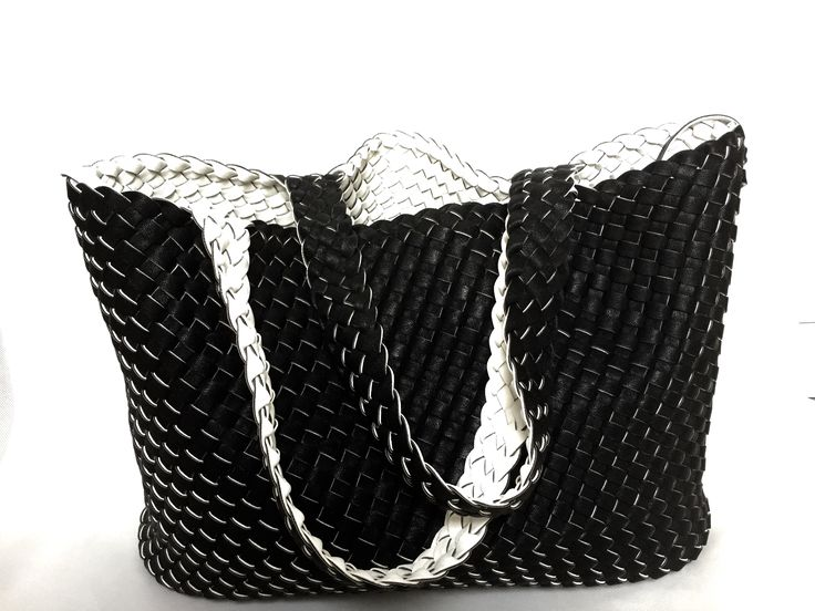 new Italian handbag stock just in -visit www.lulujboutique.com or email linda@lulujboutique.com