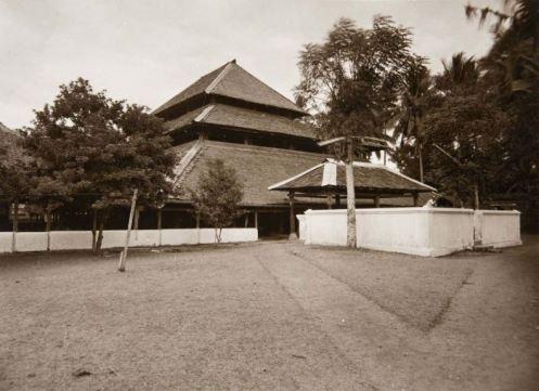 Moskee Cheribon, masjid Cirebon, 1900-1933