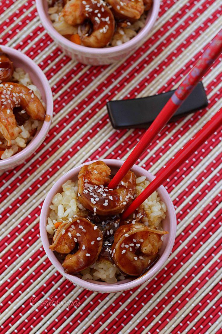 Langostinos teriyaki con arroz frito {by Paula, Con las Zarpas en la Masa}