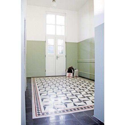 Terrazzoplatte im Original aus der Gründerzeit. Zu unterschiedlichen Mustern zusammensetzbar: 710701 #tiles #terrazzo #fliese #terrazzoplatte #gründerzeit #promoterism #raute #diamond #blackandwhite #schwarzweiß viaplatten.de