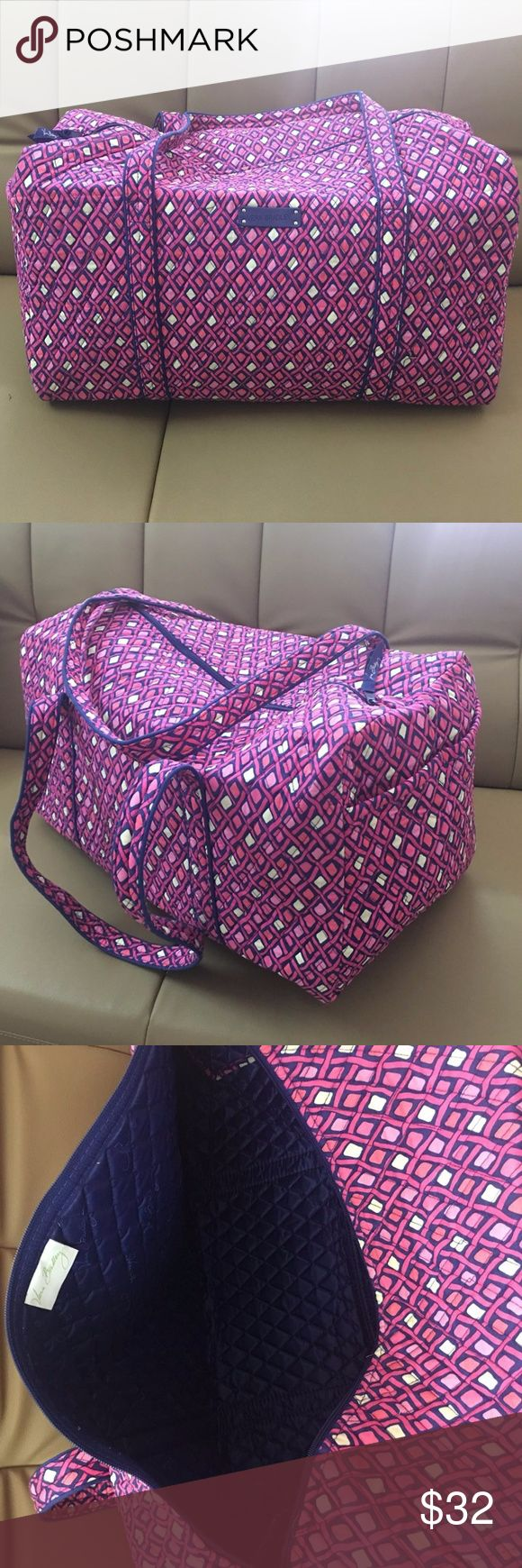 """Vera Bradley Large Duffel Katalina Pink Diamond **Price is firm**  New never used without tag Vera Bradley Large Duffel tote is made of quilted fabric.  The fully zippered top closure secures a fully open interior allowing for flexibility in packing.  There's an open slip pocket on the end for easy access storage.  The dual straps have a comfortable drop of about 16"""", and are sewn from the bottom, all the way up each side.  It measures 22"""" long x 11.5"""" high x 11.5"""" wide. Vera Bradley Bags…"""