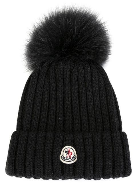 064b590224bf Shoppen Moncler Mütze mit Bommel.   Outfit ideen in 2019   Fashion ...