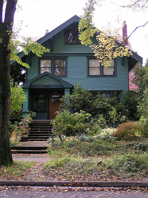 Exterior Of Mudroom Addition In Portland Oregon I Love The Porch: 1000+ Images About Historic Homes On Pinterest