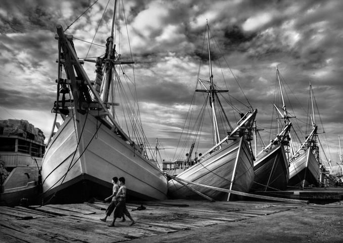 boats     PHINISI —Thaib Chaidar