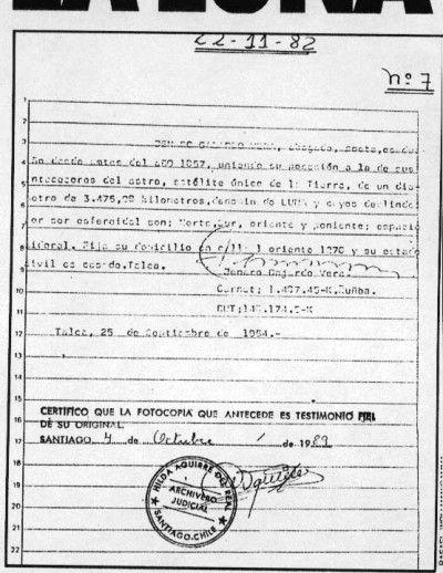 El 25 de septiembre de 1954, el abogado Jenaro Gajardo inscribió la luna a su nombre en el conservador de bienes raíces de Talca, César Jiménez Fuenzalida. En 1969, antes del alunizaje del Apolo XI, el presidente Nixon , a través de la embajada estadounidense y la Cancillería, envió un cable a Gajardo, donde le pedía autorización para descender en el satélite. Ésta fue concedida por el dueño chileno.