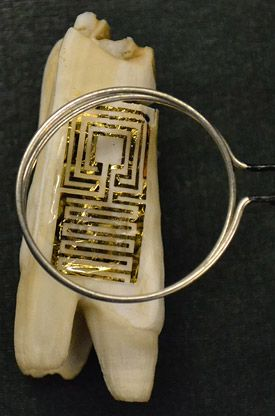 Wireless tooth tattoo can detect bad bacteria | Cutting Edge - CNET News