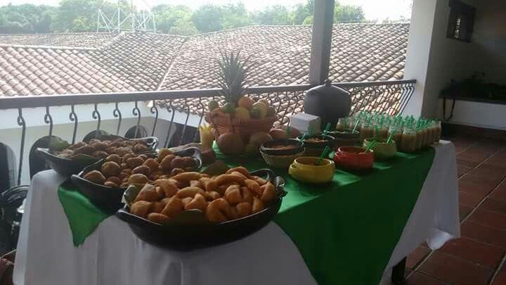 Mesa Valluna evento empresarial