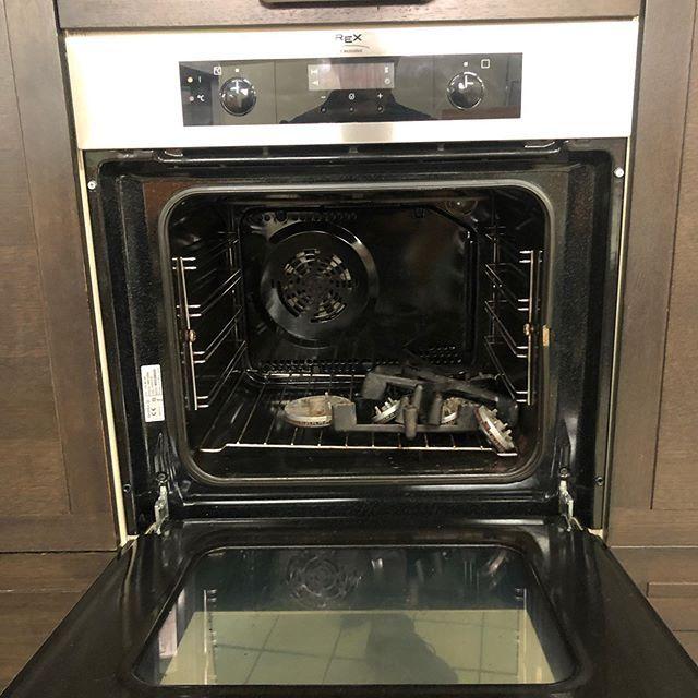 Bellissima Cucina Lineare Wenghe Possibilitaa Di Dividere Le Colonne 240cm Cucina 180cm Bellissima Cucina Lineare Weng Wall Oven Double Wall Oven Toaster Oven