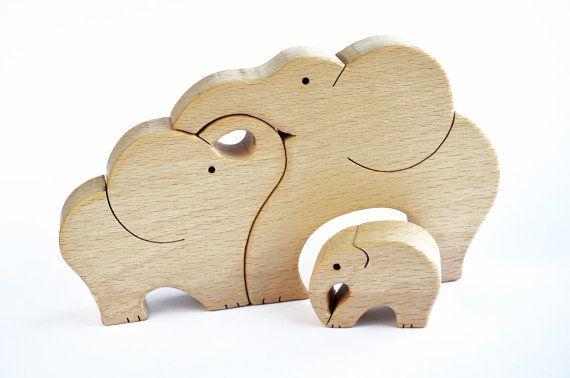 Éléphants famille  Puzzle en bois  Handcut par WoodAndYarnToys