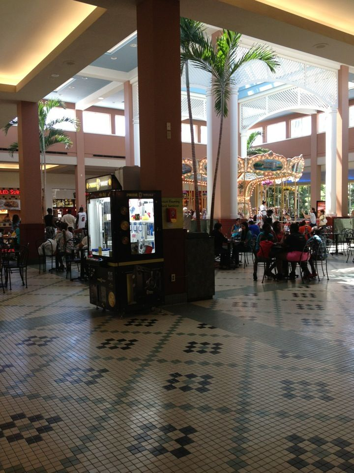 Pembroke Pines Mall Food Court