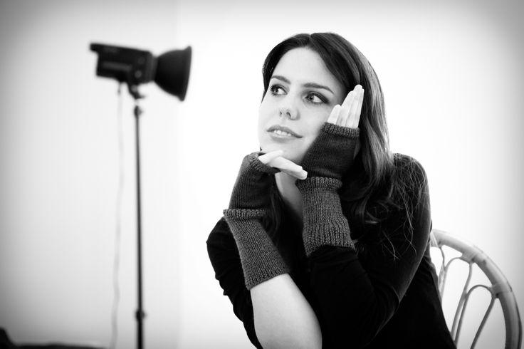 Guanti scaldamani Rovida Design new Collection Inverno 2014/15 Foto: Studio Arienti. Modella: Chiara De Mastro  #photoshooting #greenfashion #rovidadesign #madeintuscany #artigianato