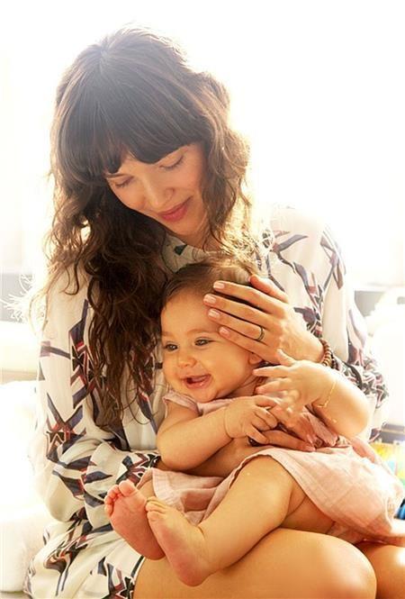 6 χρυσοί κανόνες για να μεγαλώσετε ευτυχισμένες κόρες!