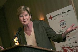 Summitt steps down; Warlick new UT lady vols head coach