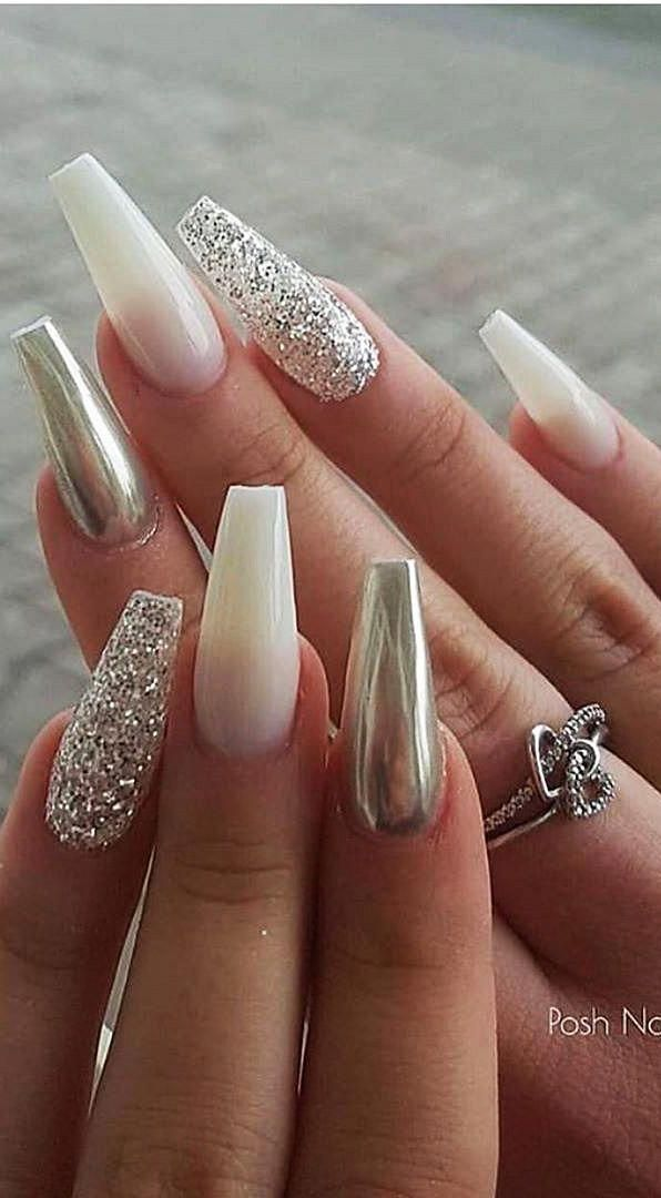 Hello Ladies Who Are Fond Of Nails Want To Look At New Nail Design Ideas We Find The Best Nail A In 2020 White Acrylic Nails Acrylic Nail Designs White Nail Designs