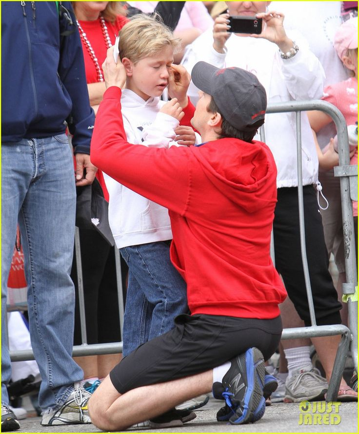 Matt Bomer consoling his son. So sweet.