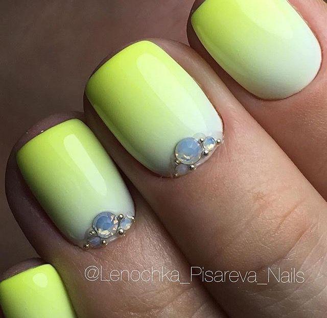 Mejores 68 imágenes de Камни/блёстки en Pinterest | Diseños de uñas ...