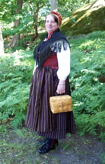 Kvinnodräkt från Sorunda, Södermanland, Sweden