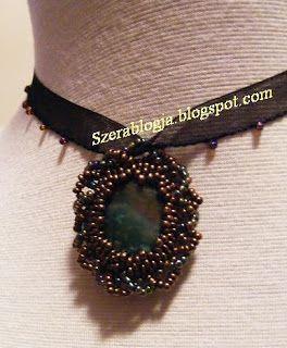 Necklace with semipretios rock