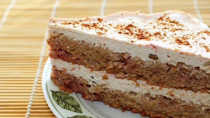 Низкокалорийный творожно-овсяный торт с клубникой