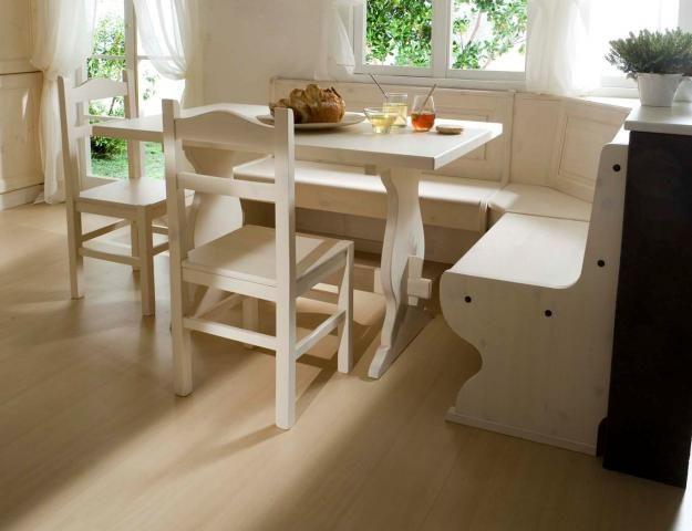 Soggiorno color bianco composto da giropanca tavolo e 2 for Arredamento prezzi di fabbrica