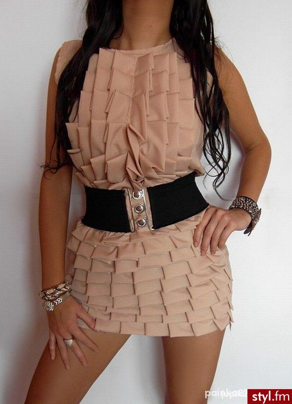 This is so pretty. For sure u would need a belt though, or else .... *puff ball*