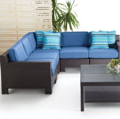 A chic, modern take on outdoor patio living. Clean lines, a streamlined profile and beautiful shades of ocean blue.