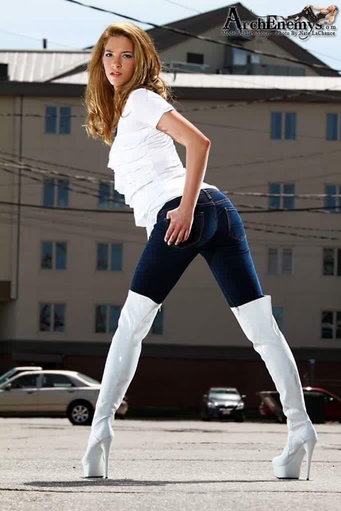 hot women in jeans and boots - photo #17
