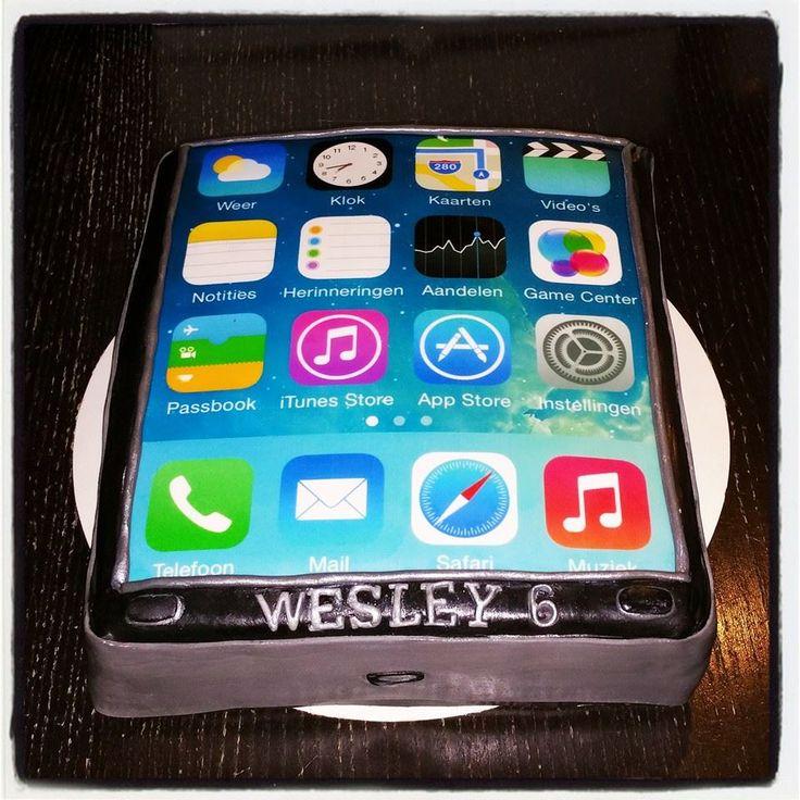 Een stoere telefoon taart mede gemaakt met de foodprinter en eetbare inkt van Bouwhuis.com