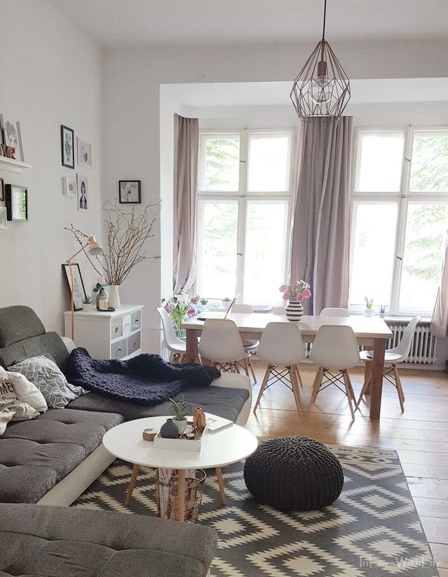 Kleine Roomtour durch das Wohnzimmer von Bloggerin Sarit auf www.inlovewithlife.de #HomeSweetHome, #Wohnzimmer, #Roomtour, #Strickdecke, #MerinoWolldecke, #Omaggio, #Interior, #Interieur, #Lifestyle, #Shopping, #Einrichten, #wohnen